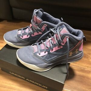 Girls Basketball Shoes - Under Armour - Size 4