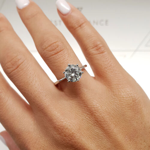 GIA CERTIFIED 1 Carat Round shape D - SI2 Solitaire Diamond Engagement Ring