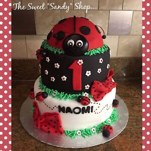 Customs Cakes, Cookie Favors , cakepops and more !