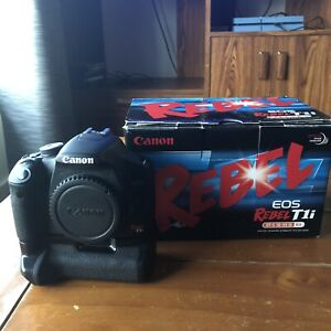 Canon T1i DSLR Camera