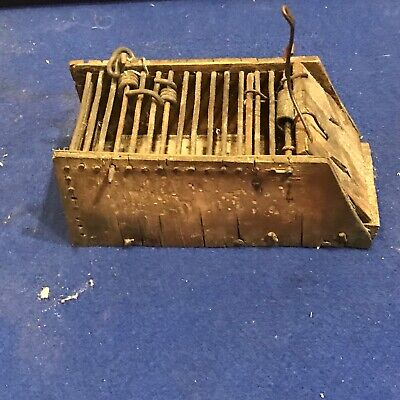 Victorian mouse trap
