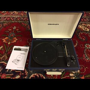 CROSLEY RECORD AND CD PLAYERS