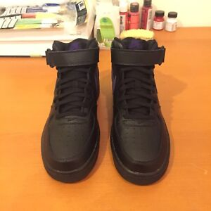 """Nike Air Force One """"Leather Pack"""" - Size 8"""