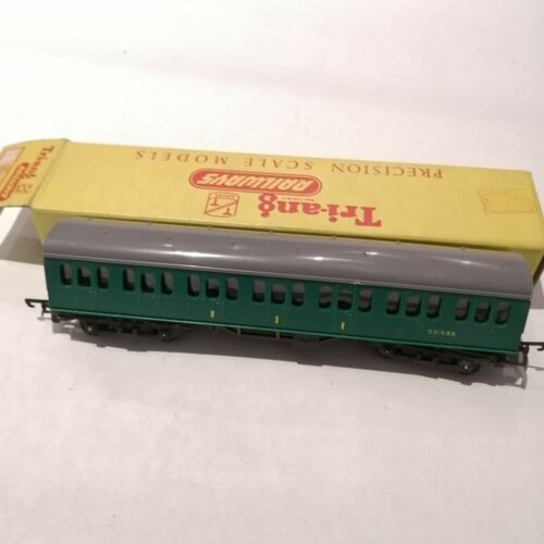 Tri-ang - T80 S.R. Suburban Composite Coach in Green Livery S3153S - TT
