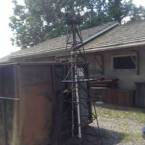Oil well replica