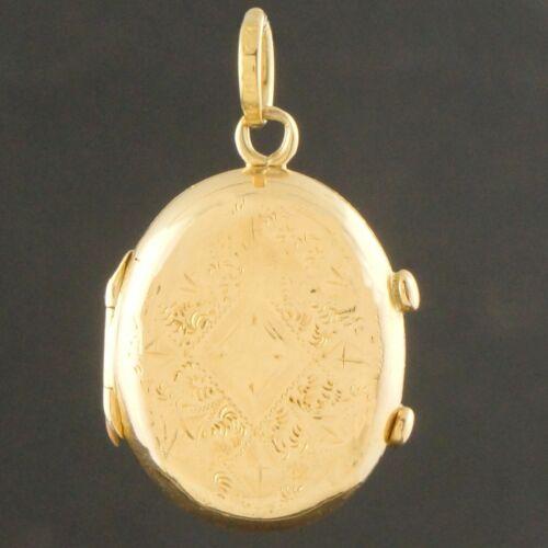 Antique Art Deco, Solid 18K Yellow Gold, Engraved Locket Pendant