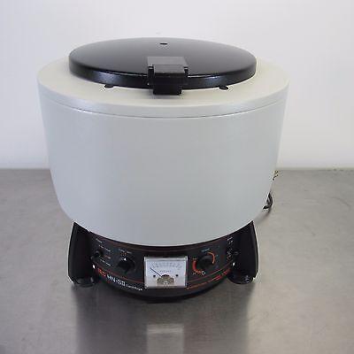 Iec Hn-sii Centrifuge Refurbished. 2355-30-1001