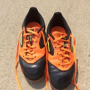 Outdoor adidas size 3 soccer cleats