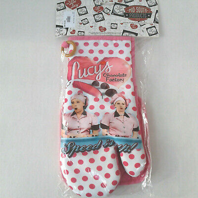 I Love Lucy Chocolate Factory Oven Mitt & Pot Holder Set (New in Pkg)