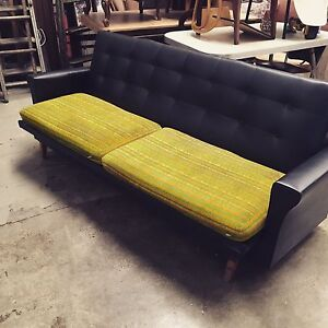 Retro sofa Sunshine North Brimbank Area Preview