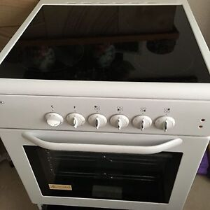 Glass top cooktop and oven 60cm wide Bardwell Park Rockdale Area Preview