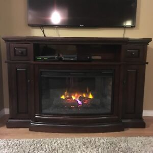 Indoor Electric Fireplace and Mantel