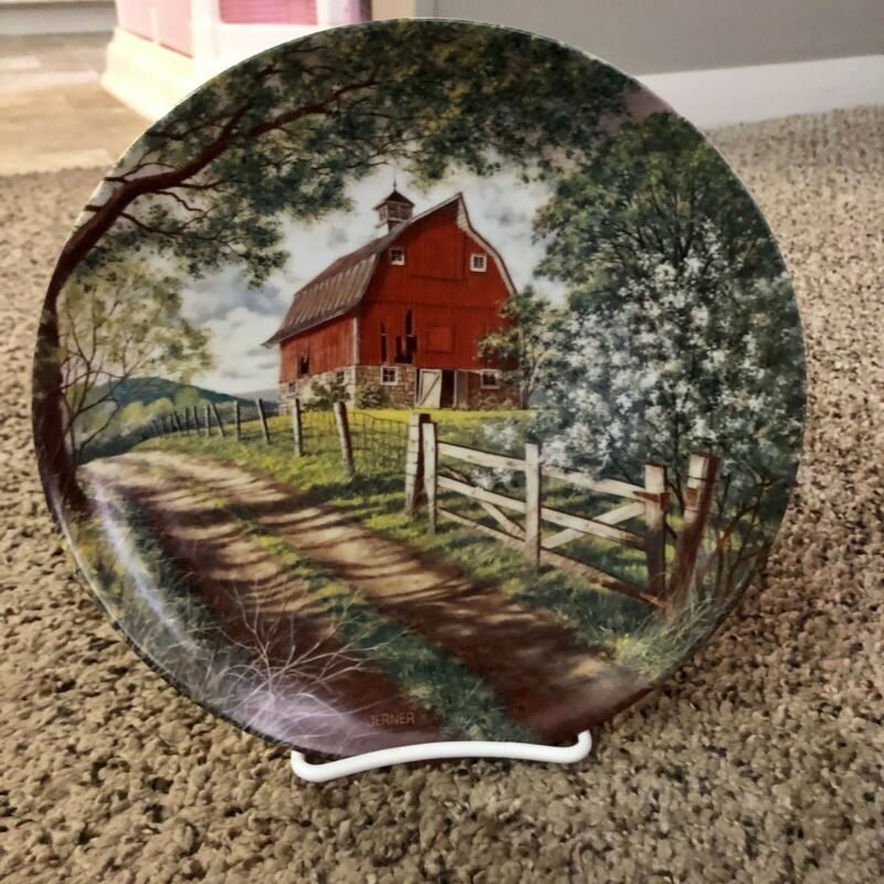 1988 Edwin M. Knowles China The Weathered Barn Decorative Plate w/ stand