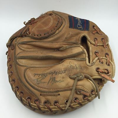 Incredible 1970's Thurman Munson Signed Autographed Catchers Mitt Glove JSA COA