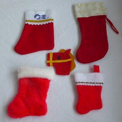 Set of 4 Traditional Christmas Stockings With Bonus Felt Candy Cane Cover ()