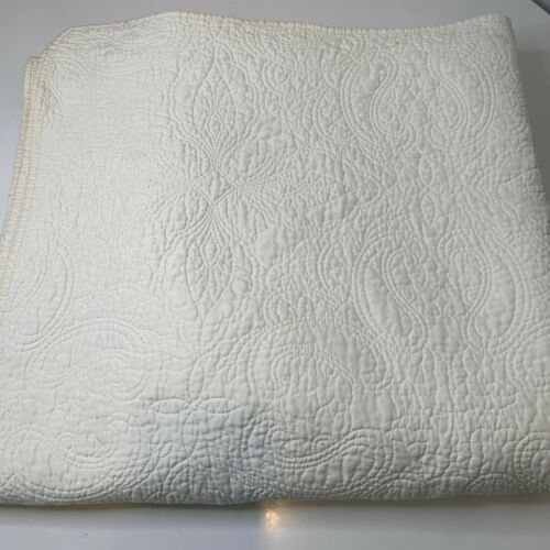 matelasse coverlet quilted ream white floral paisley design queen 84x82