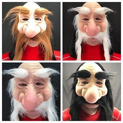 Wichtel Zwerg Troll Goblin mit Kapuze Maske Bart Hobbit Alter Mann