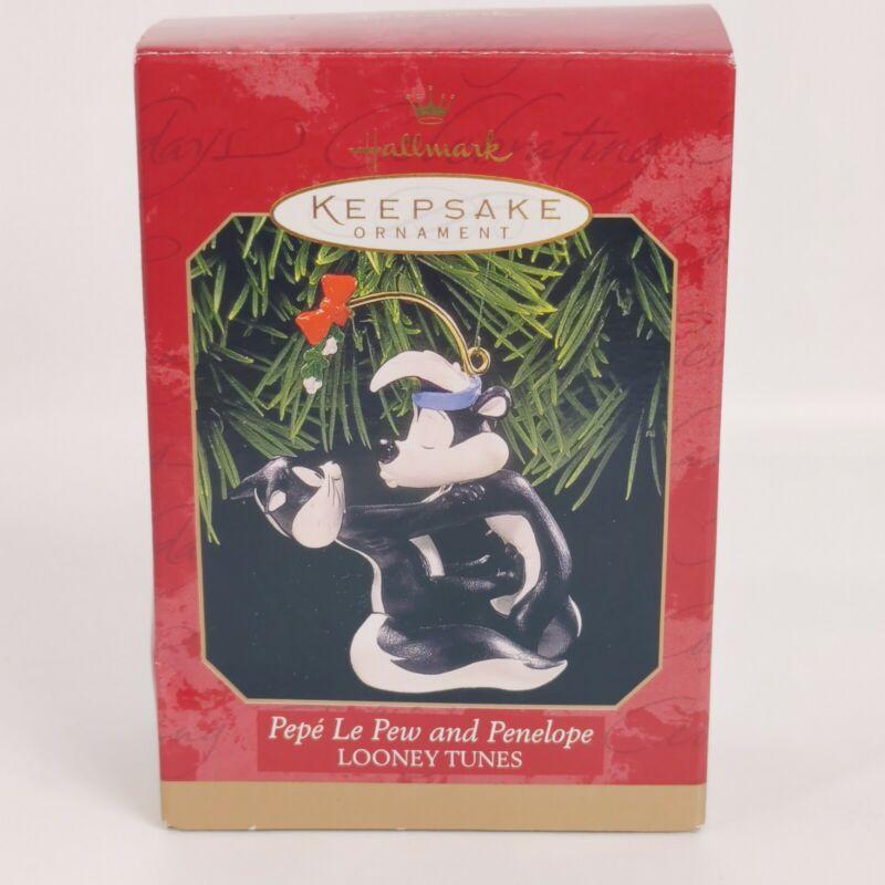Hallmark Keepsake Looney Tunes Pepe Le Pew & Penelope Christmas Tree Ornament