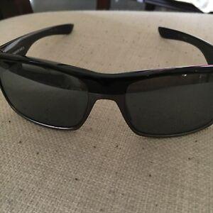 Two Face Oakley Polarized sunglasses