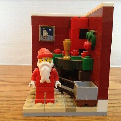 Lego 3300002 Santa Xmas House City Minifig Display Limited Edition 2011 Seasonal