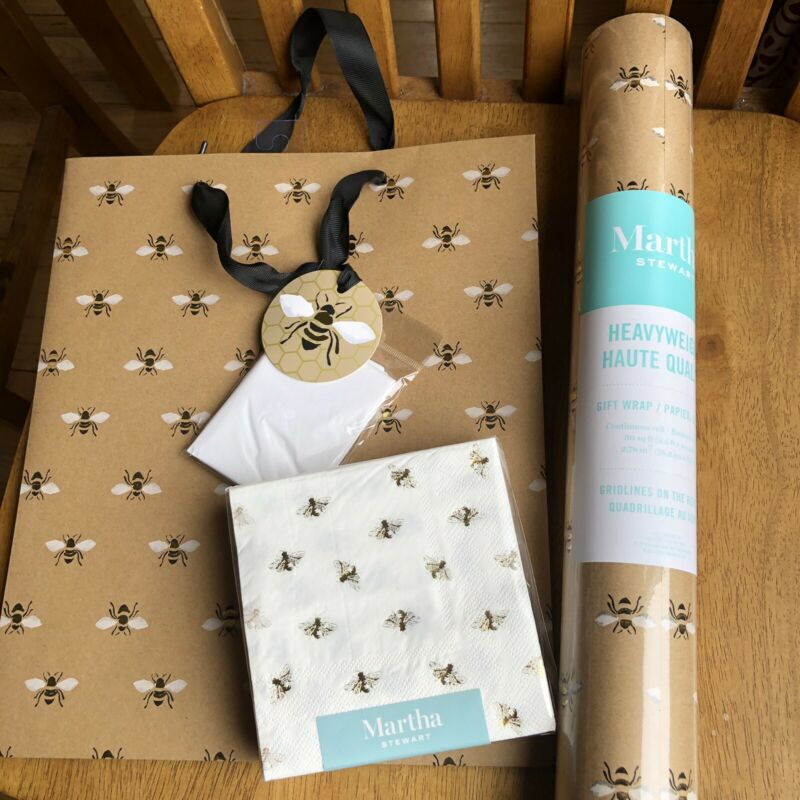 Martha Stewart Honey Bee Gold Gift Wrap Bag & Cocktail Napkins Rare NWT