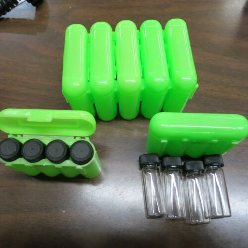 4 - 1 Dram Glass Vials With A Carrying Case Storage Case Green