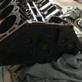 308 Holden black motor and new parts ...