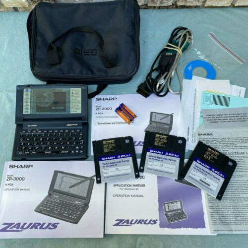 Sharp Zaurus ZR-3000 PDA Organizer Handheld Computer Stylus WORKS Disks Cable