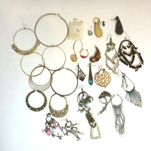 Lot Single Earrings Dangle Studs Hoops Different Materials Designs Sizes