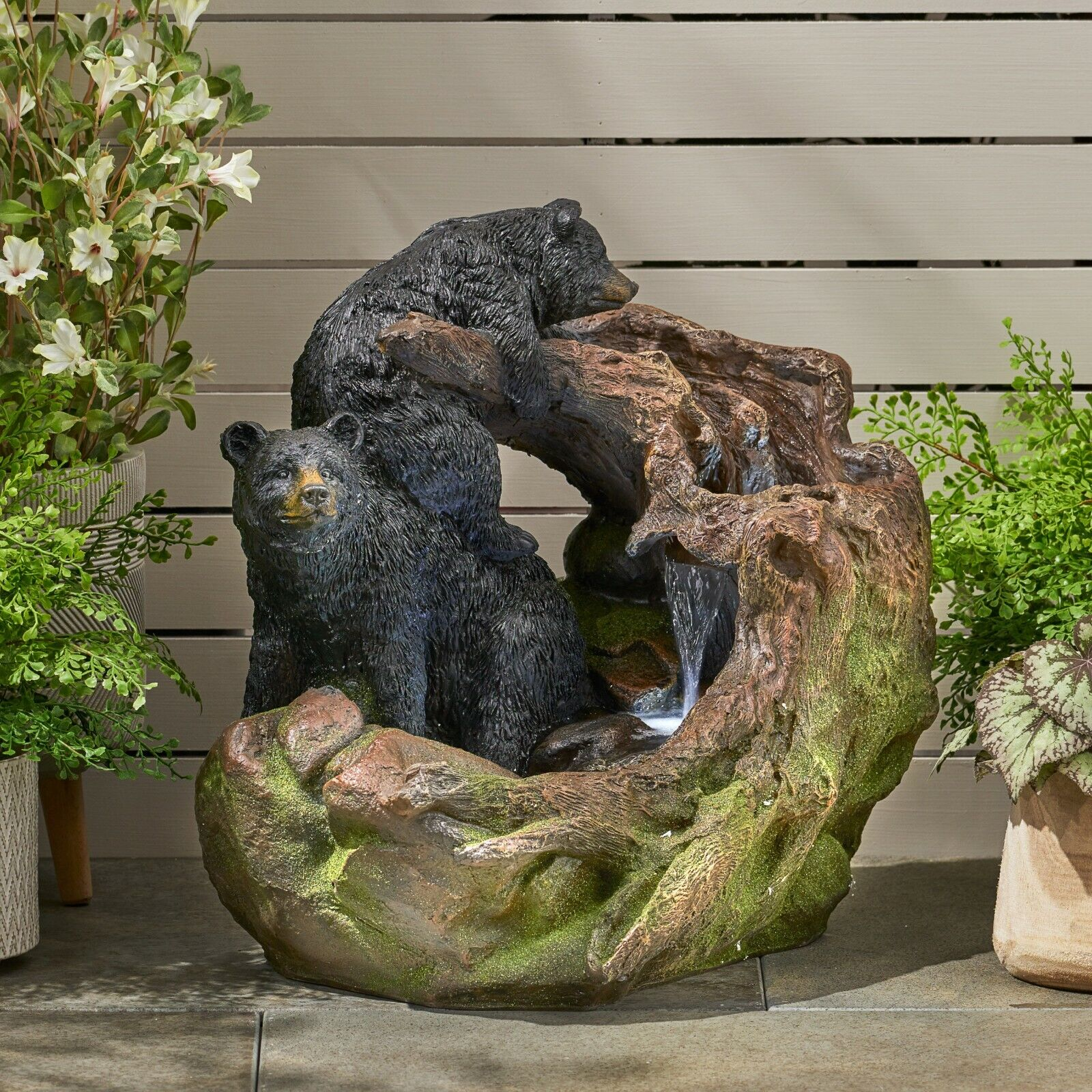 Bowery Datona Outdoor Bears on a Log Fountain Home & Garden