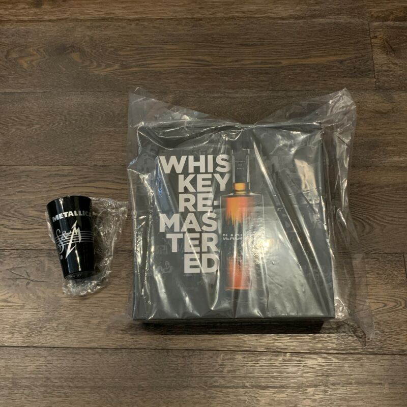 Metallica Blackened American Whiskey Batch100 Collectible PLUS! > S&M Pint Glass