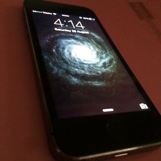 iPhone 5s black 32GB Clinton Gladstone City Preview