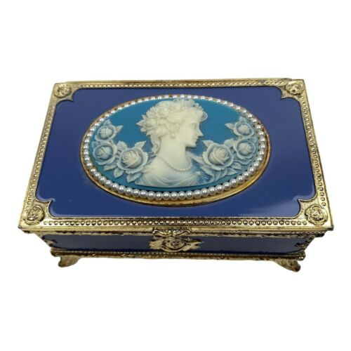 Sankyo Footed Music Box Blue White Cameo Pearl Trim Plays Wind Beneath My Wings