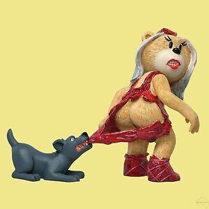 BAD-TASTE-BEARS-LADY-BLAH-BLAH-GAGA-PARODY-MEAT-DRESS-DOG-WARDROBE-MALFUNCTION