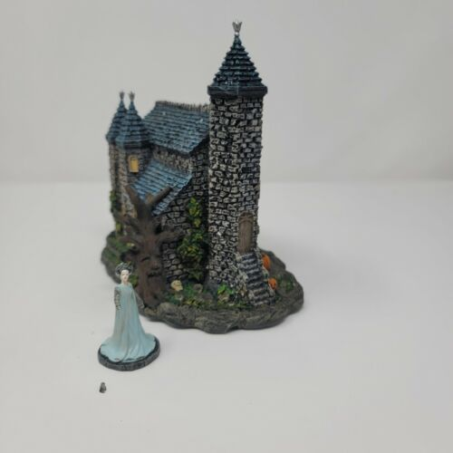 """Hawthorne Village Universal  """"Bride of Frankenstein's Castle""""  with Bride Figure"""