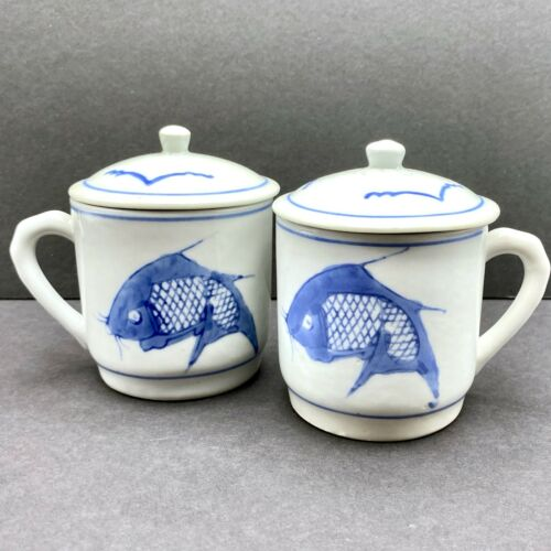 2 Traditional Chinese Lidded Mugs Ceramic Tea Cups Blue & White Koi Fish Design