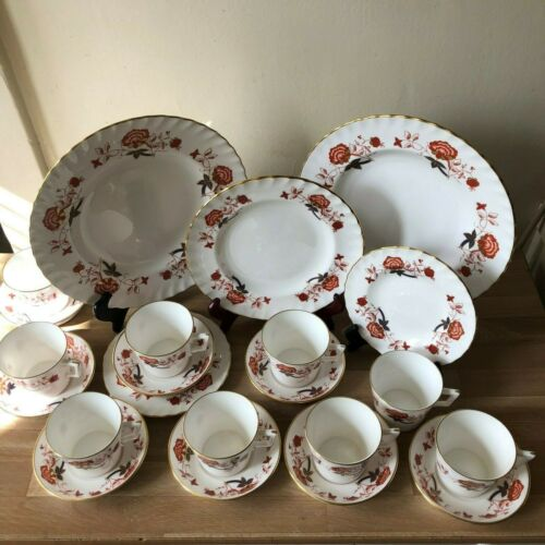 Lovely 22 piece Set of Royal Crown Derby Bali Pattern Dishes