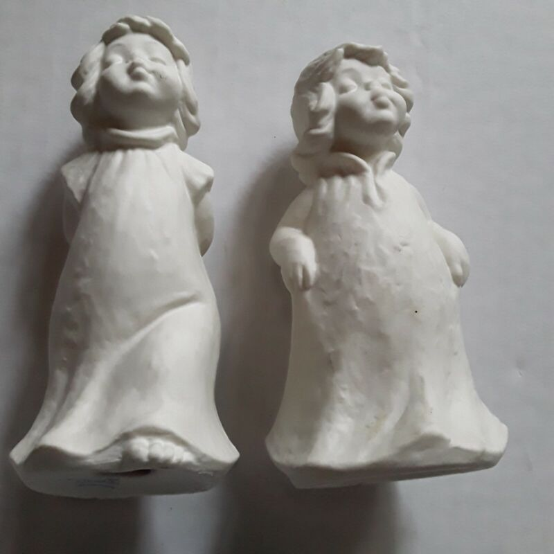 "Vintage Goebel Kissing Angels 4.5"" White Bisque    1971 W Germany"