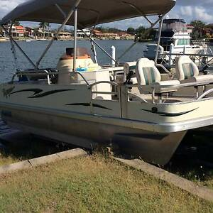 Pontoon party boat Voyager venturer tri hull+trailer Yamba Clarence Valley Preview