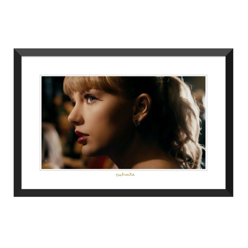 Taylor Swift Delicate Close-Up Lithograph