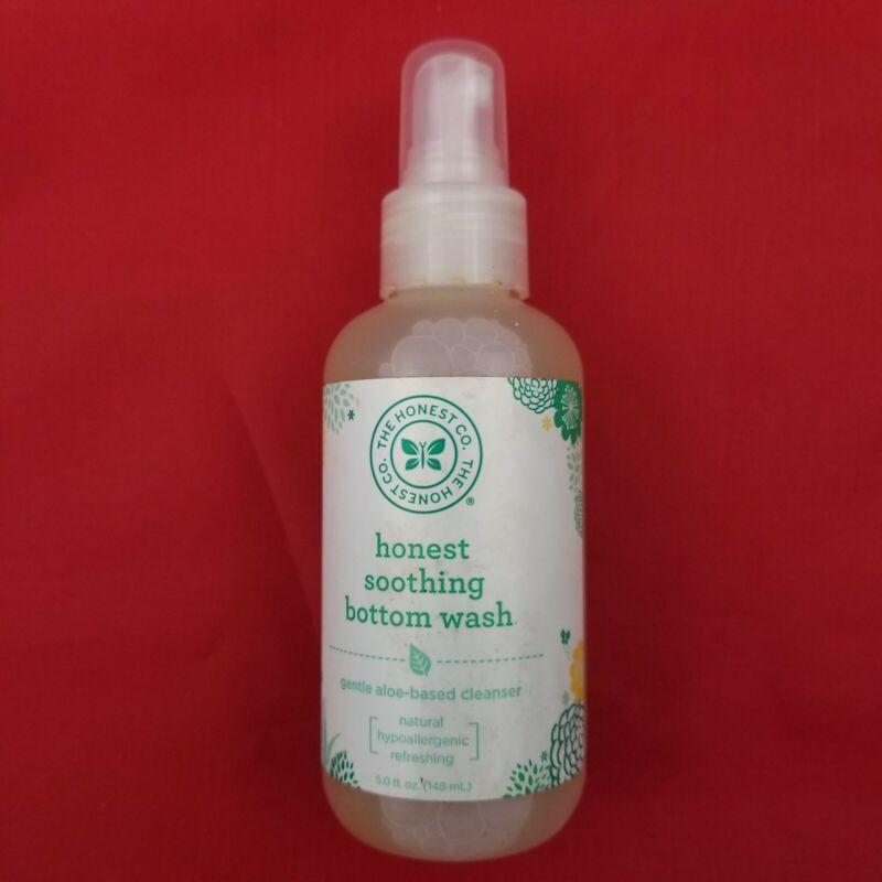 The Honest Co Soothing Bottom Wash 5 fl oz Natural Gentle Aloe-Based Cleanser