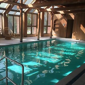 Beautiful home north of Muskokas with indoor pool