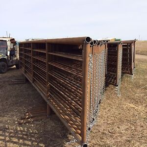 Longterm Good Looks With Continuous Fence From Bison Pipe