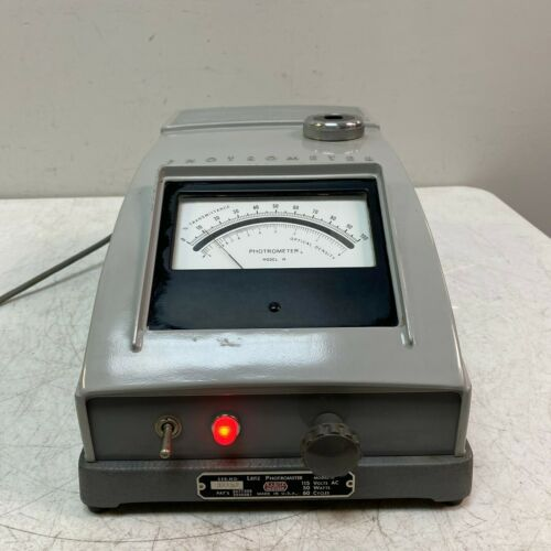 LEITZ PHOTROMETER MODEL M TESTED AND WORKS GREAT