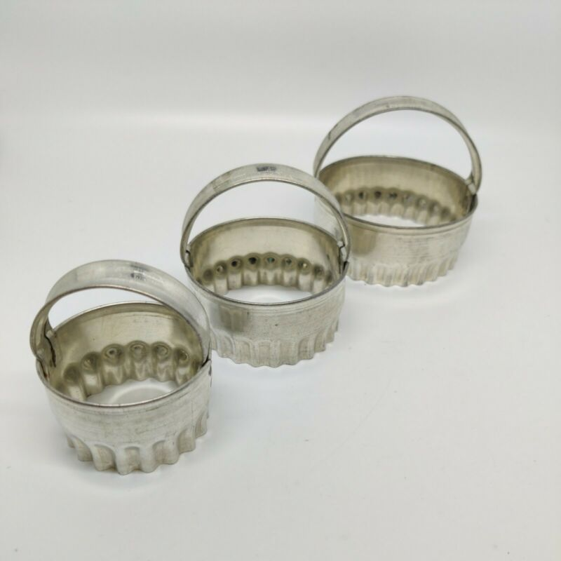 Set of 3 Vintage Nutbrown Product Tin Cookie/Biscuit Cutters Rippled Edge