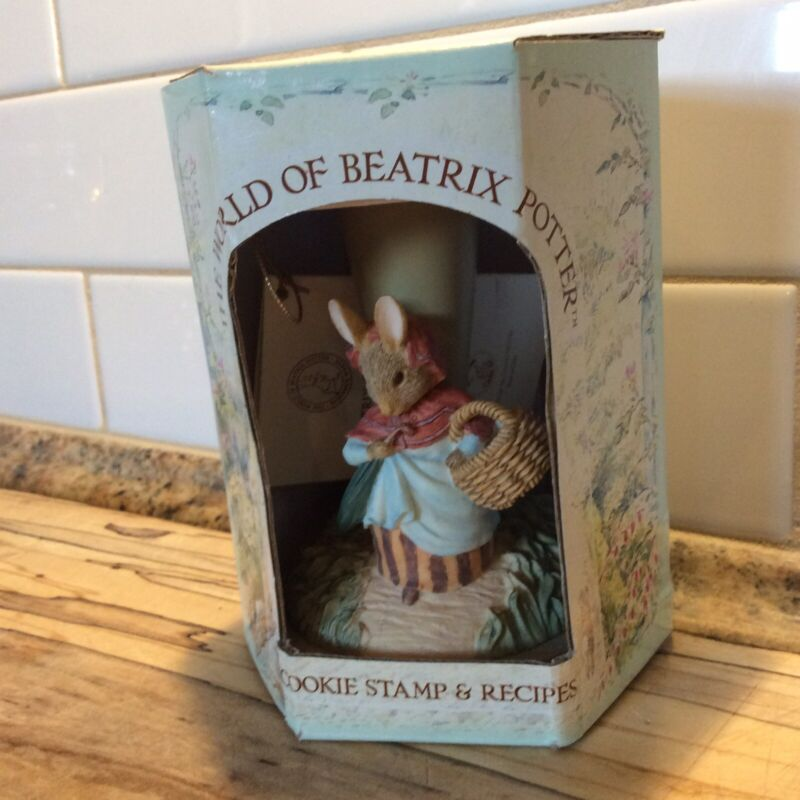 The World of Beatrix Potter Cookie Stamp & Recipe Book #321 Mrs. Rabbit