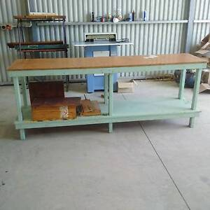 Heavy duty work bench x 4 workbenches Brendale Pine Rivers Area Preview