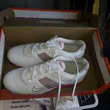 NIKE RUNNERS WHITE PINK TRIM size 8.5 Hamilton South Newcastle Area Preview