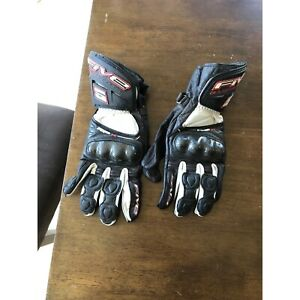 Motorcycle gloves Toormina Coffs Harbour City Preview