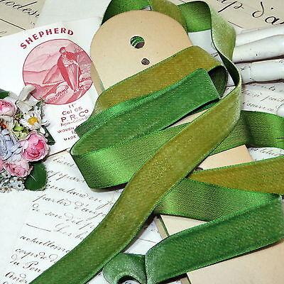 "1y TINY 3//8/"" SWISS OLIVE GREEN VELVET RIBBON TRIM DOLL MILLINERY HAT DRESS VTG"